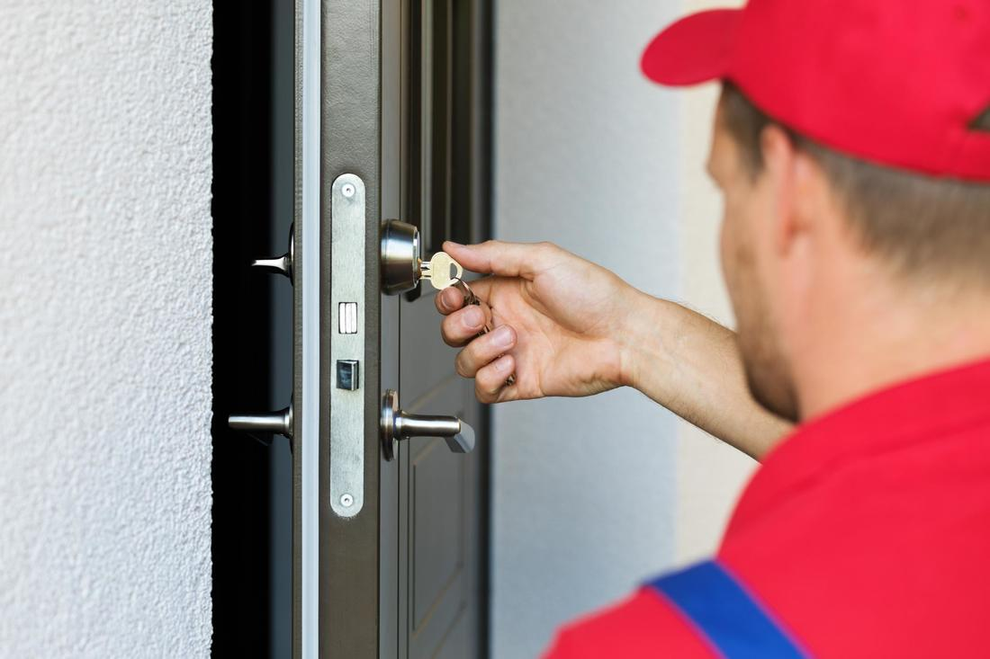 What to Ask Before Replacing a Deadbolt Lock?